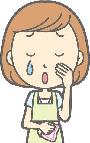 泣く保育士